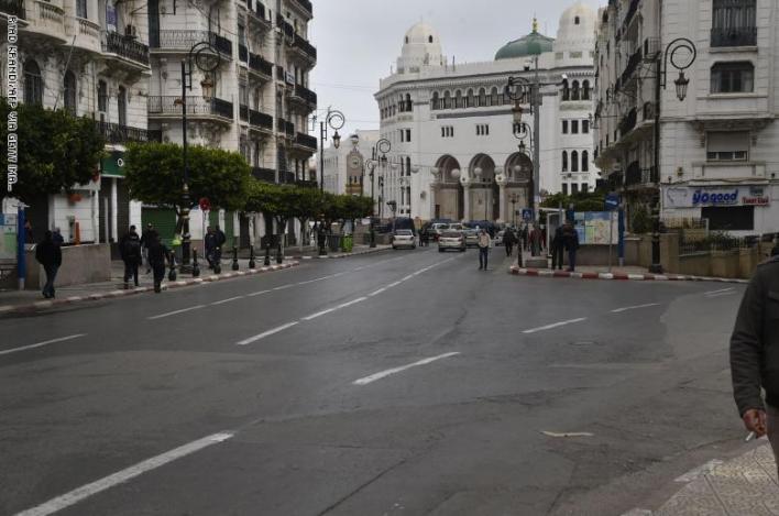 الحجر المنزلي الجزائر