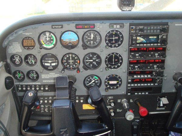 Well Organized 172 Cockpit - Year of Clean Water