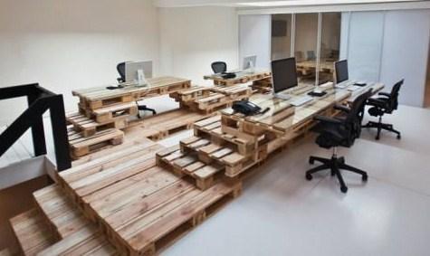 vous avez un stock de palettes faites en du mobilier de bureau