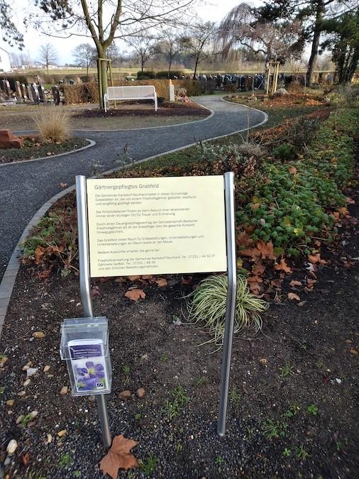 Gärtnergepflegte Gräber Friedhof Neuthard