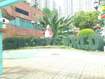 Day 1 In Hong Kong In July 2014 - Snoopy World
