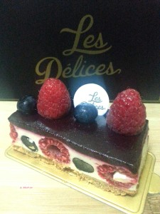 Les Délices - Popping Berry Cheesecake