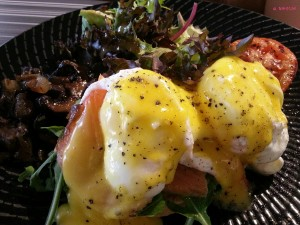Brunches Cafe - Egg Florentine