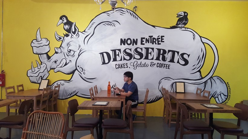Non Entree Dessert - By a Wall