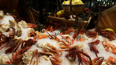 J65 South East Asian Weekday Dinner Buffet - Seafood Station , Sri Lankan Crab