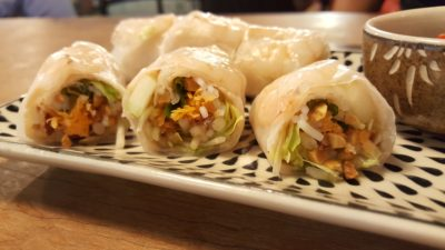 O Banh Mi Vietnamese Cafe at Tiong Bahru Plaza, Singapore - Pork & Prawn Summer Roll filling view