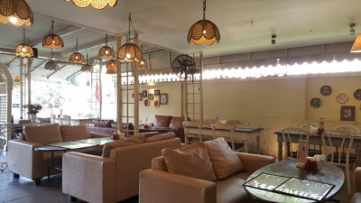 Giggle Box Cafe And Resto At Bandung, Indonesia - Dinning Area