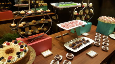 Taste Of Discovery Buffet By Latest Recipe @ Le Meridien Sentosa, Singapore - Cakes and Nonya Kueh