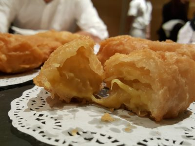 Brand New Menu By Wan Hao At Singapore Marriott Tang Plaza Hotel - Filling inside the Deep-fried Crispy Durian