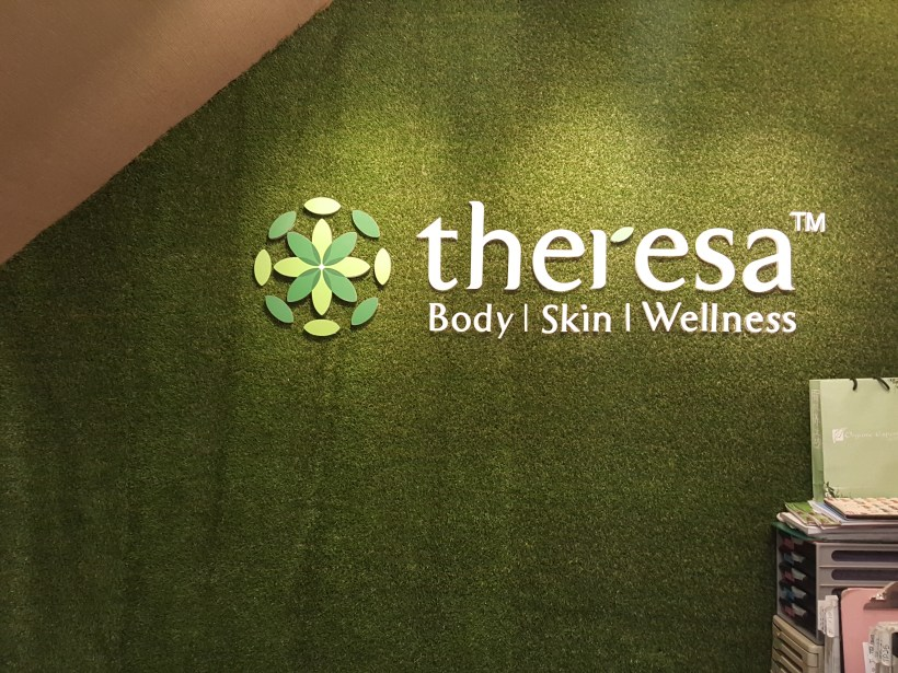 Theresa Beauty Massage and Reflexology Services at Toa Payoh, Singapore - Signage