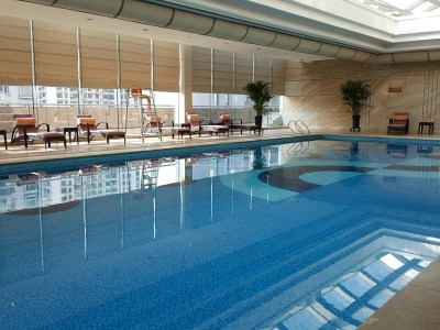 Renaissance Shanghai Pudong Hotel - Indoor Swimming Pool at Level 6