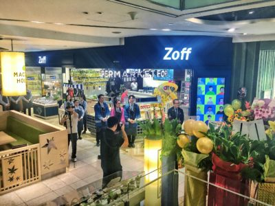 Leading Japanese Eye-wear Chain Zoff Flagship Store in Singapore At Orchard Central - Facade