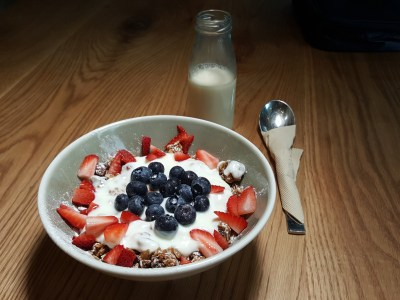 Craftsmen Specialty Coffee @ The Central, Their Forth Outlet - Healthy Granola Organic Soy Parfait ($14)