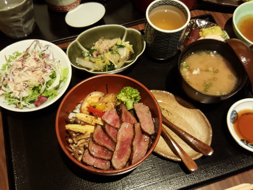 Kanda Wadatsumi Lunch Set With Complimentary Sashimi Platter At Tras Street - Donburi Set