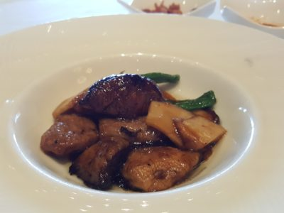 Shisen Hanten by Chen Kentaro 四川飯店 At Mandarin Hotel, A Two Michelin Star Restaurant - Stir-fried pork and mushroom with oyster sauce