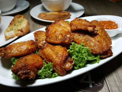 Tocha Bistro At Hotel Boss - Spicy Mid Wing ($9.80)