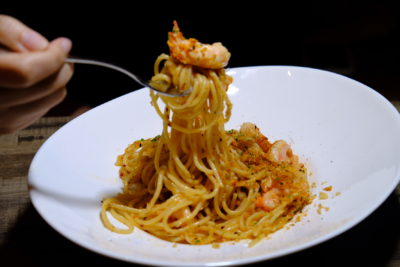 Rookery @ Capital Tower With Exclusive Dishes - Gambas Aglio Olio Spaghetti, pulling pasta