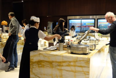 SilverKris Lounge @ Singapore Changi Airport Terminal 3 Review - Buffet Table