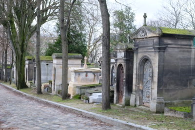 Paris Must Visit Attractions And Places Of Interests - Tombs in Père Lachaise Cemetery