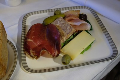 Singapore Airlines Business Class SQ333 From Paris To Singapore Flight Journey Review - Assiette Campagnarde