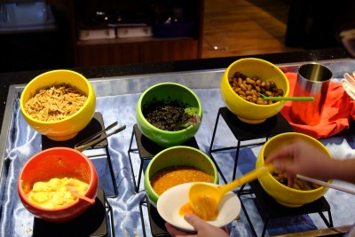 Crystal Cafe At Orchard Grand Court, Enjoy Taiwan Porridge Buffet With 30 Dishes Under $20 - Various Typical Dishes For Porridge