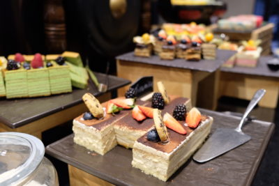 Straits Cafe @ Hotel Rendezvous Launching Favourites Of The Straits Buffet Spread - More Cakes