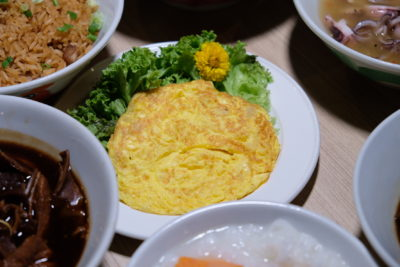 Teochew Porridge At Spice Brasserie Of Parkroyal On Kitchener Road - Omelette