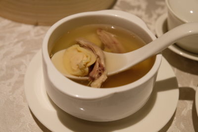 Si Chuan Dou Hua Nostalgic Dim Sum Buffet Feast Is Back - Double-boiled Chicken Soup with Abalone, Sea Whelk, Cordycep Flowers and Conpoy 冬虫鸡响螺干贝炖鲜鲍鱼