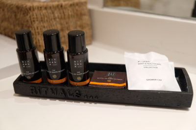 Hotel Montanus In Bruges, A Homely Feel Hotel With Warm And Friendly Hotel Crew - Bath Amenities