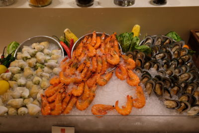 Ginger At PARKROYAL On Beach Road Dishing Pincer Feast - Seafood