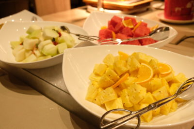 Go Local Buffet At Four Points Eatery In Four Points By Sheraton Singapore Riverview - Fruits