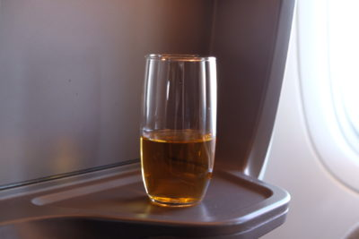Business Class On SQ826, Flying Singapore Airlines To Shanghai - Drink