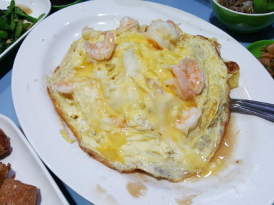 Quan Ji Zhu Chao Bustling In The Quiet Business District At Dark - Omelette Fried Noodle with Prawn
