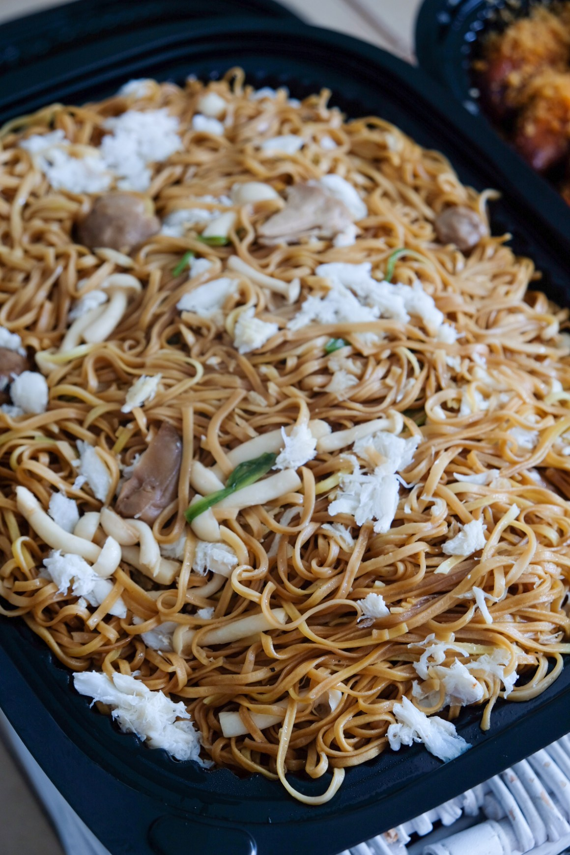 Usher 2020 Lunar New Year With Delectable Dining Options - Braised Ee Fu Noodles with Atlantic Crab Meat and Chives