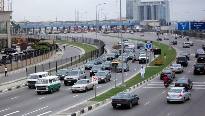Buhari administration will copy Lekki-Epe road concessioning model to build 708km roads – Osinbajo