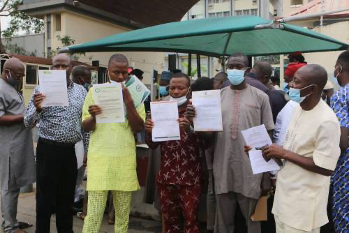 Deregistered Parties Storm INEC Headquarters, Vow To Participate In Anambra Poll