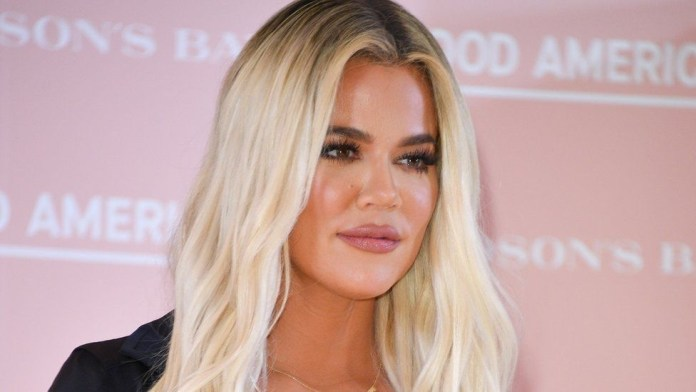 Khloe Kardashian struggles to remove unfiltered photo removed from social media