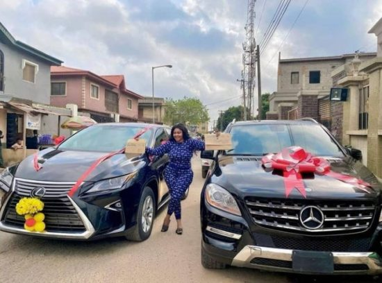 Curvy Actress, Biodun Okeowo Buys A Car, Gets Another As Gift