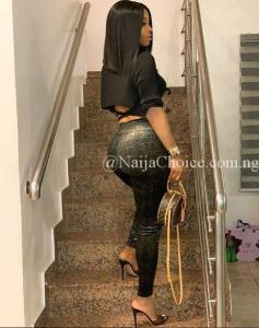 Made Of Gold: Toke Makinwa Looking Charming In New Bum Photos
