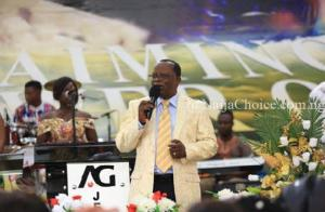 Shocker: Assemblies Of God Pastor Stabbed To Death During Church Service By His Own Nephew