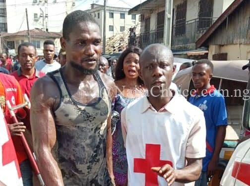 Breaking News: 6 Trapped, 2 Rescued As 4-Storey Building Collapse In Onitsha