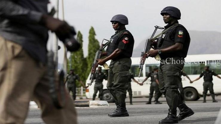 Busted! Woman Exposed After Sending Fake Bank Alert Of N463,350 In Abuja