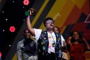 Excitement As Teni The Entertainer Proposes To A Male Fan Live On Stage