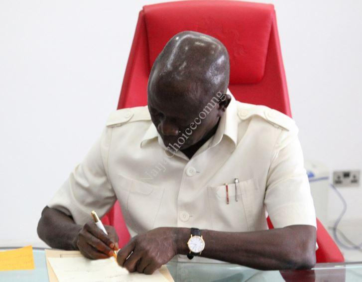 Exposed! How Oshiomhole Compiled List Of Commissioners In His Living Room
