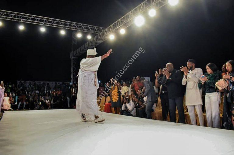 Ooni of Ife Catwalks At The Africa Fashion Week Show In Lagos (Photos)