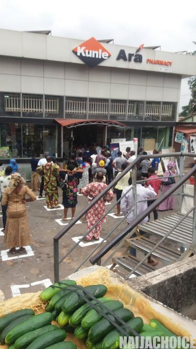 Coronavirus: A Pharmacy In Ibadan Enforces Social Distancing (Photos)