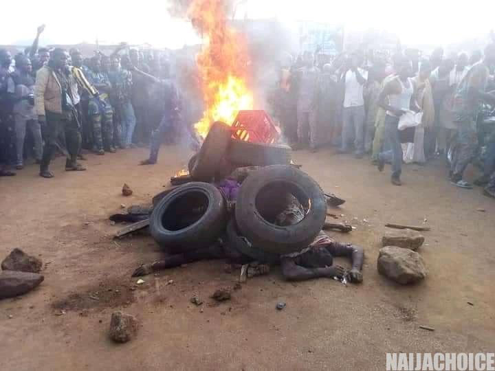 Bank Robbers Caught & Burnt By Mob In Oyo  (Viewers Discretion Advised)