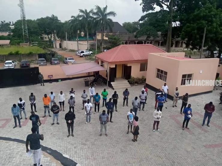 EFCC Arrests 3 Corpers, 19 Undergraduates, 10 Others For Fraud (Photos)