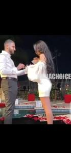 Man Refuses To Kneel Down While Proposing To His Girlfriend
