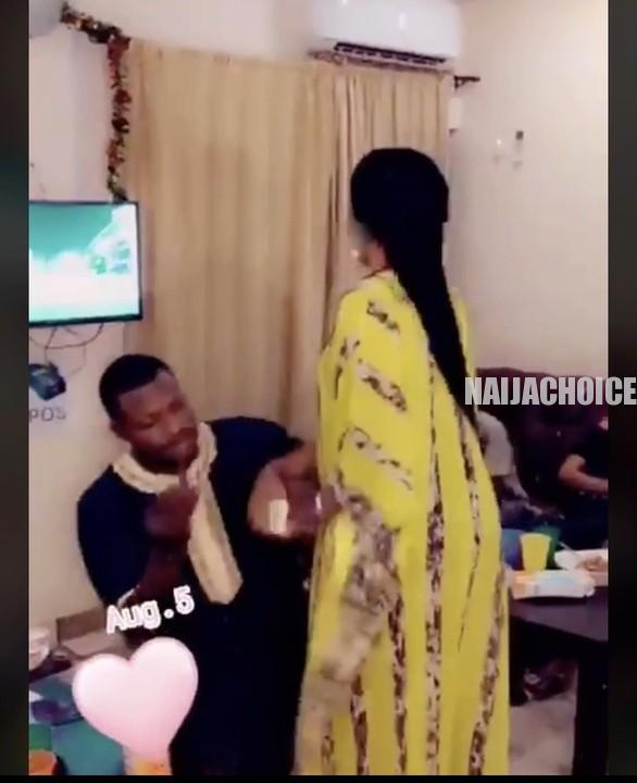 Man Tries To Force A Ring On His Girlfriend's Finger As She Rejects His Proposal (Photos, )
